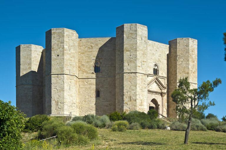 Castel del Monte: la mole