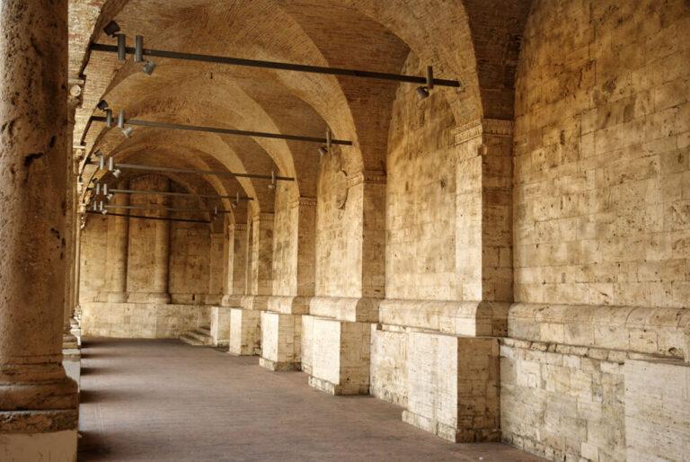 I tesori di ascoli piceno: portici chiostro