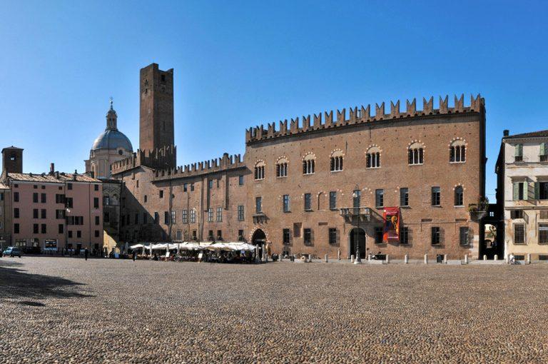 Mantova: piazza Sordello