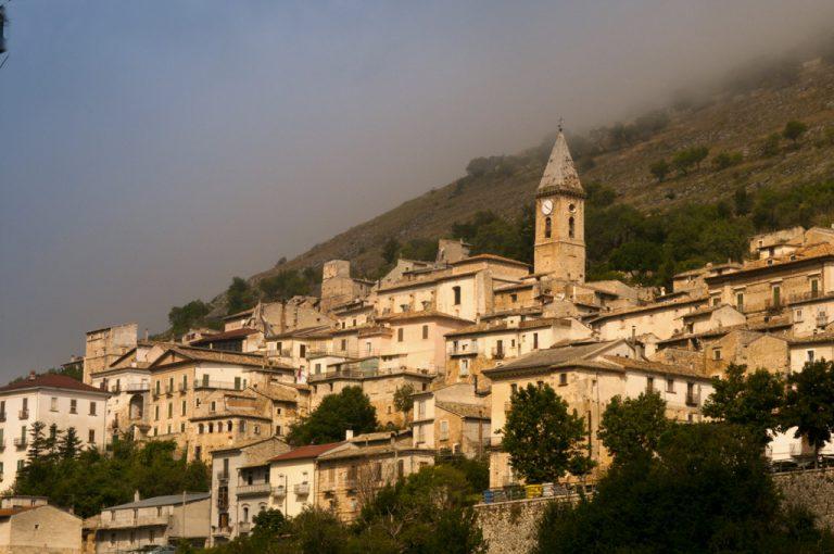 Rocca Calascio : case borgo