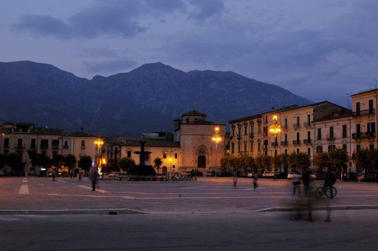 Sulmona: piazza