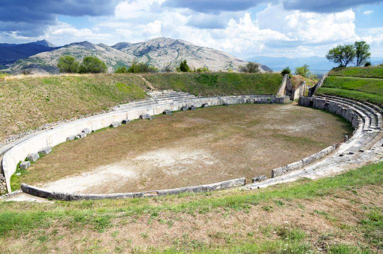 Alba Fucens: anfiteatro