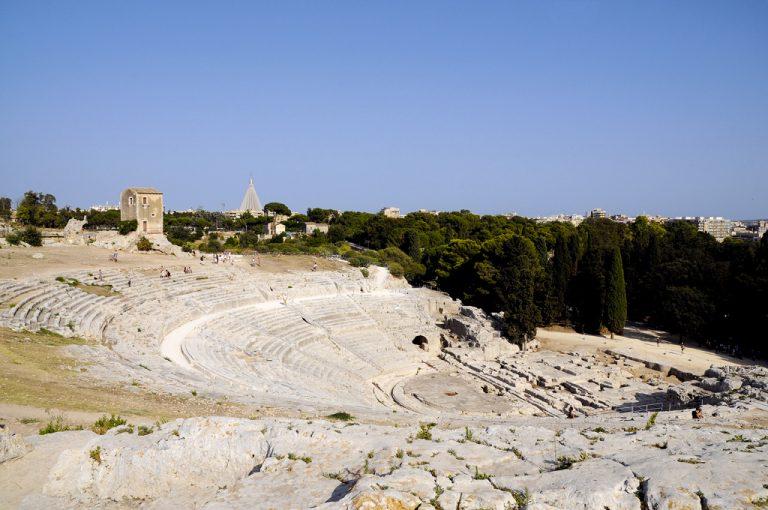 Viaggio alla scoperta della Sicilia Orientale: teatro greco