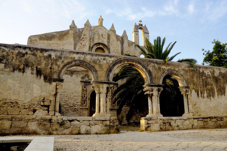 Viaggio alla scoperta della Sicilia Orientale: catacombe