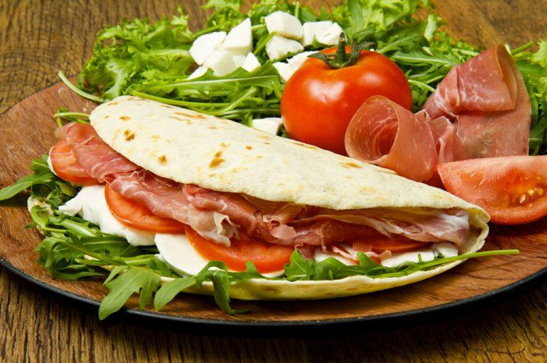 viaggio tra i piatti tipici del nostro stivale:piadina