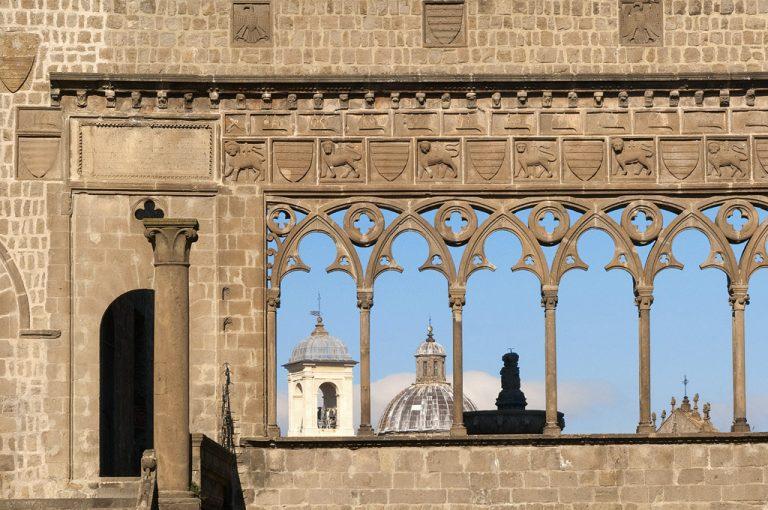 Viterbo, la città dei Papi: arcate gotiche