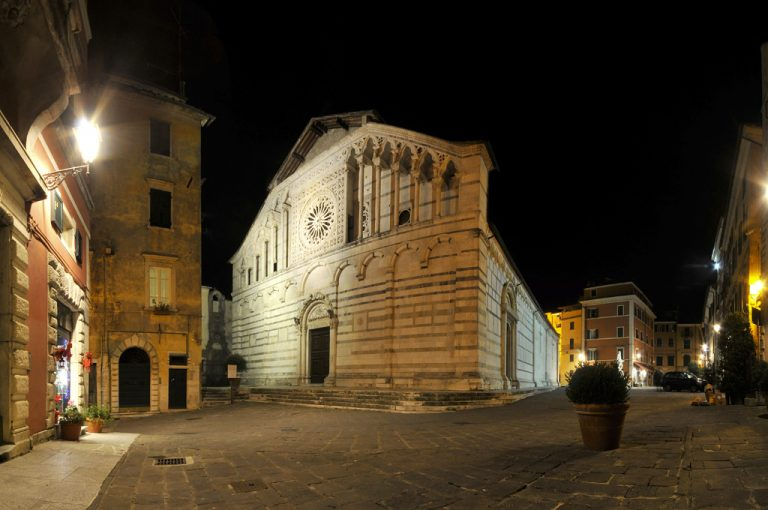Carrara e le cave di marmo: Duomo