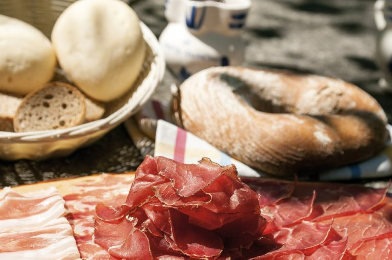 Weekend di gusto in Valchiavenna: brisaola