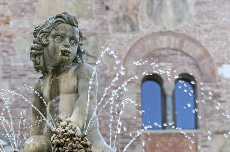 Prato: fontana Bacchino