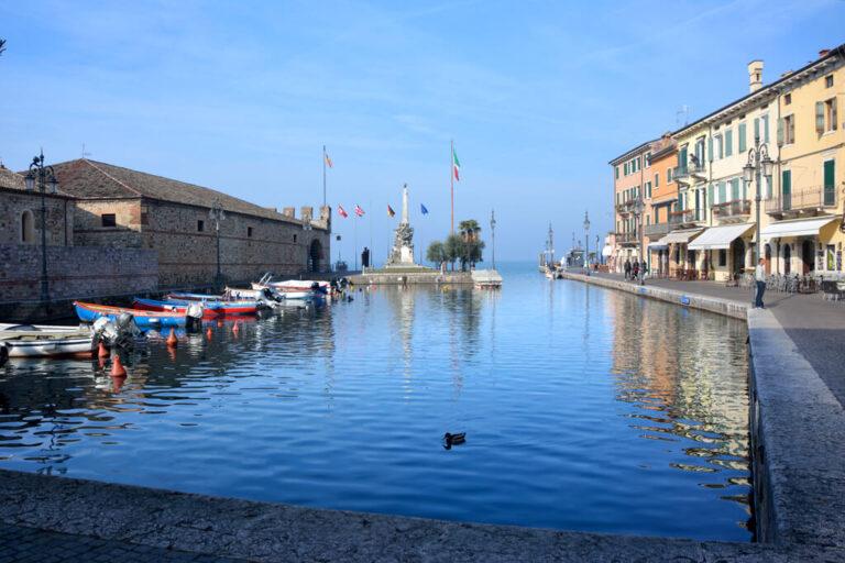 In bici sul lago di garda: porto Lazise