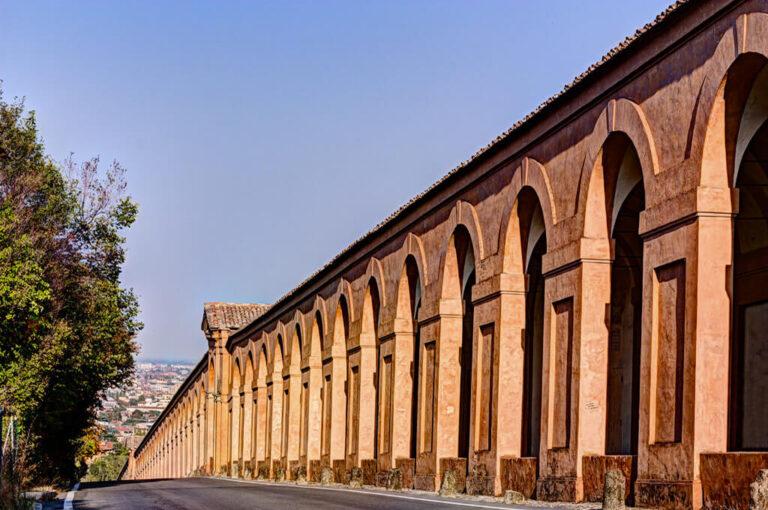 Weekend a bologna: il porticato di San Luca