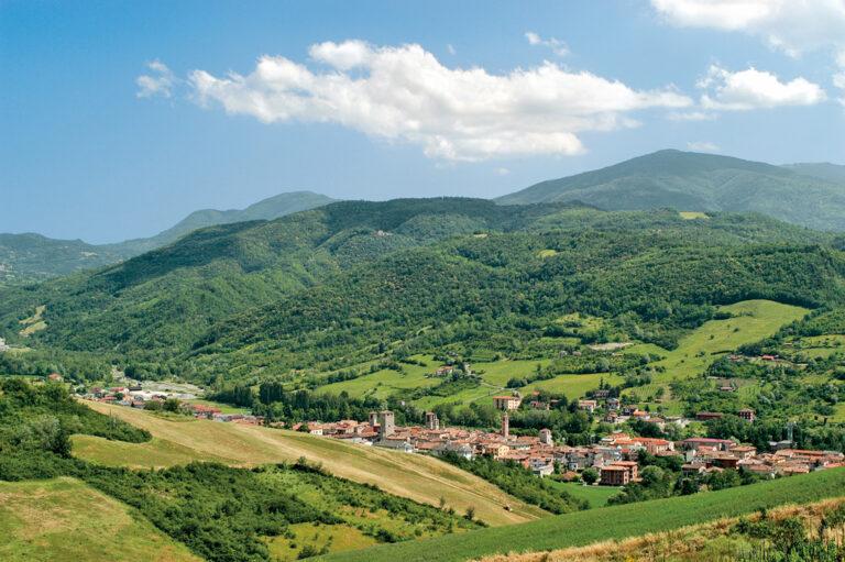 Weekend in camper tra la pianura e le colline: panorama su Varzi