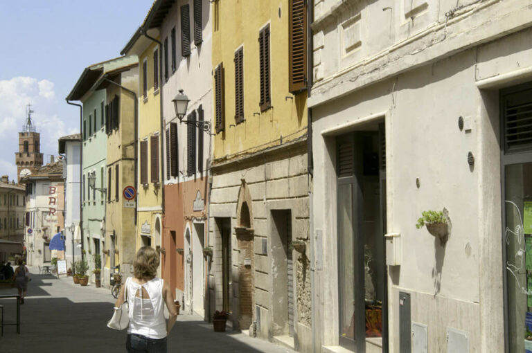 Asciano e lucignano, nel cuore delle crete senesi: Asciano borgo