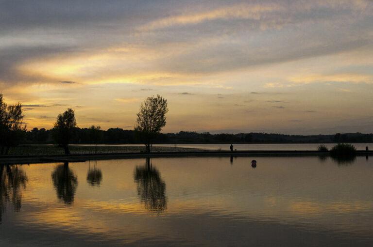Un giro attorno a chiusi : tramonto sul lago di Chiusi