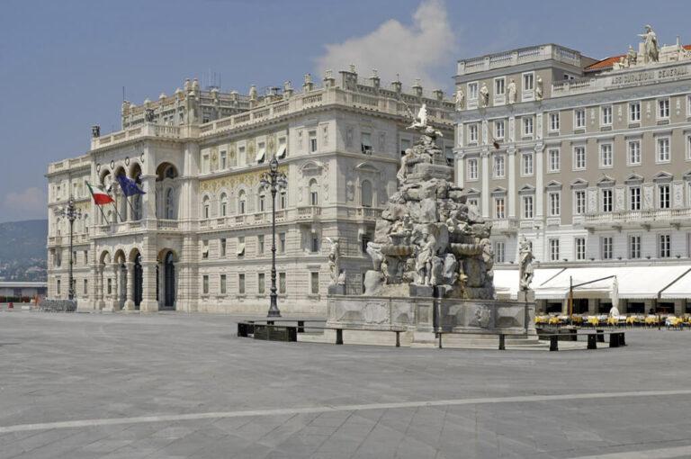Weekend in camper attorno al golfo di trieste: piazza Unità d'Italia a Trieste
