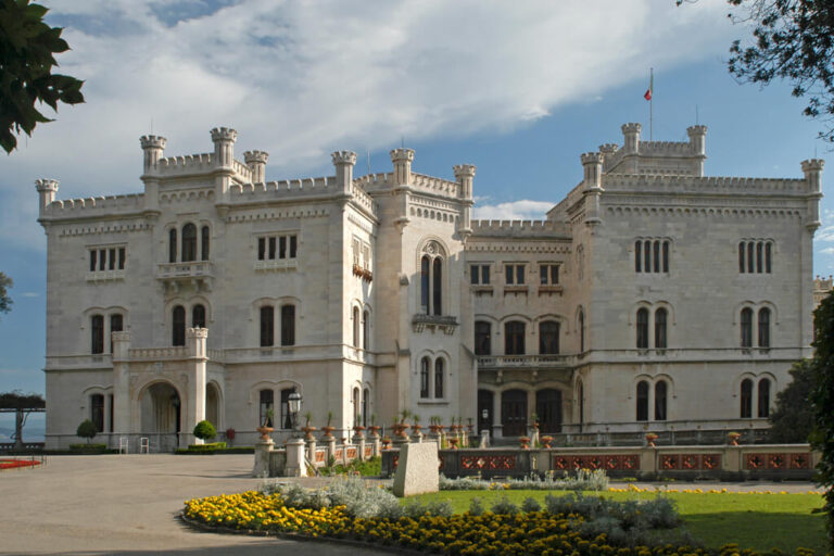 Weekend in camper attorno al golfo di trieste: castello Miramare