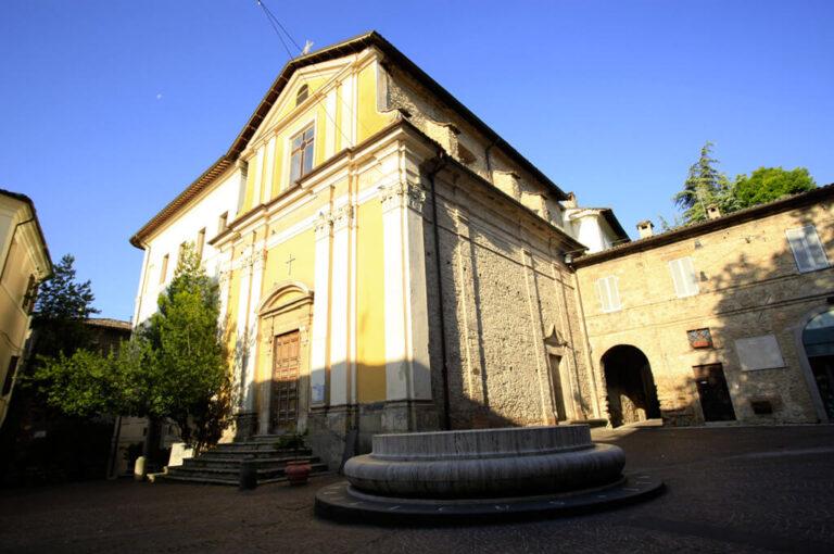 Camper rieti: Rieti, la piazza con l'ombelico d'Italia