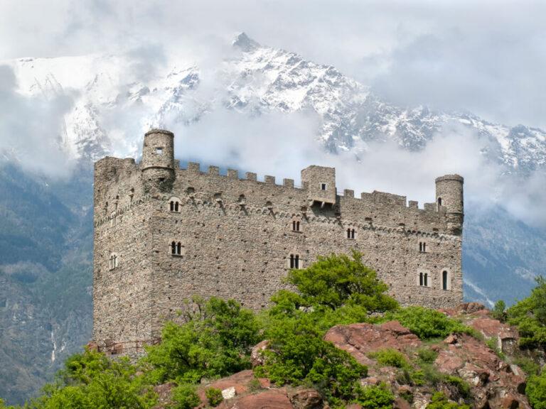 Castello di ussel: il castello