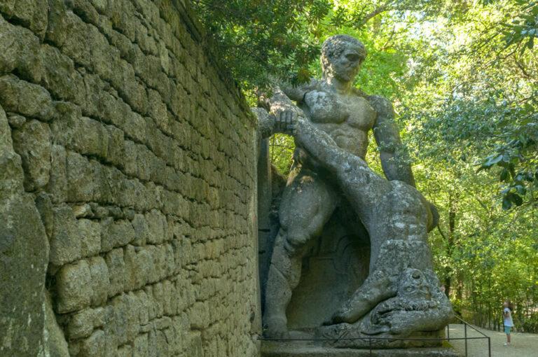 Il parco dei mostri di bomarzo: Ercole e Caco