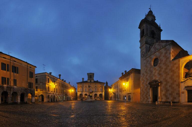 Sabbioneta: piazza ducale