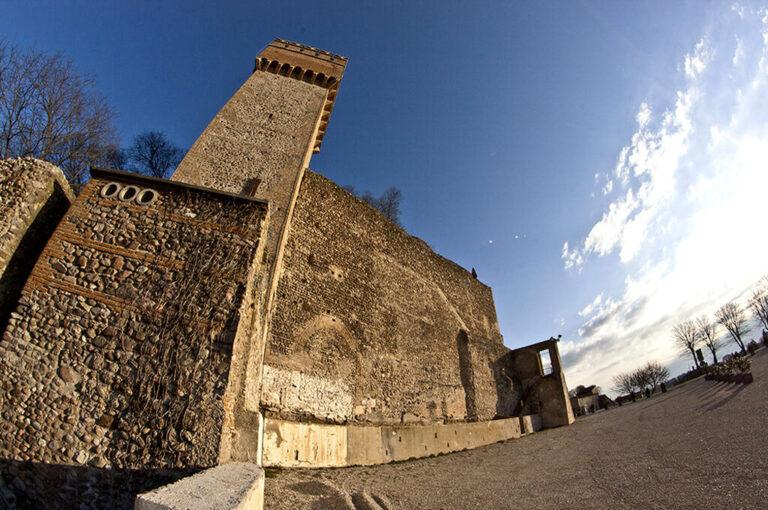 Volta mantovana: • La torre nel cuore di Volta Mantovana